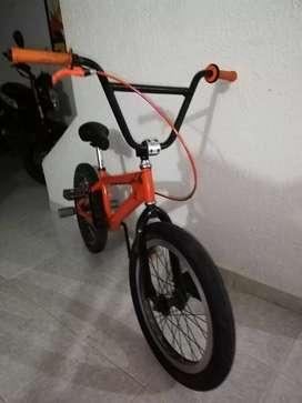 Vendo bicicleta gw radius