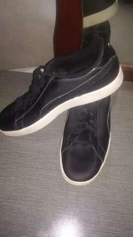Vendo zapatos puma talla 42.. 100% originales 1 semana de uso están de 9/10