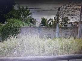 se vende terreno sobre calle san luis , entre bolivia y brasil