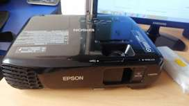 Proyector Epson Powerlite S18+ Modelo H552A