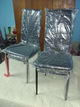 Cada una a $3000 Silla tapizado estructura caño nuevas sin uso