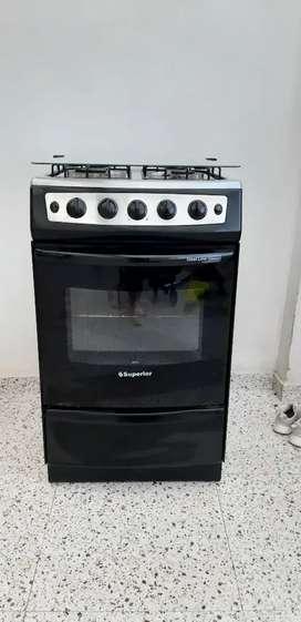 Estufa 4 puestos superior con horno