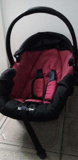 Huevito de bebe para auto.