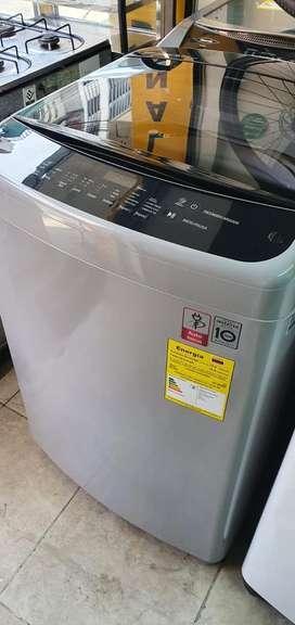 Lavadora lg inverter de 40 libras poco uso como nueva