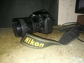Vendo o permuto cámara réflex D7000