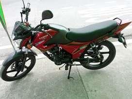 Vendo moto tuko usada