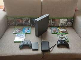 Xbox one x como nuevo