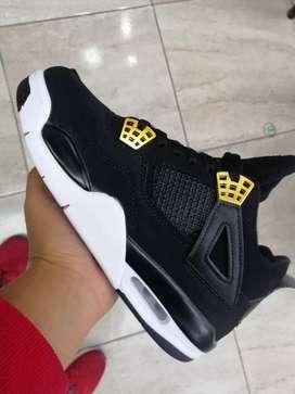 Tenis en bota Nike jordán retro 4 caballero