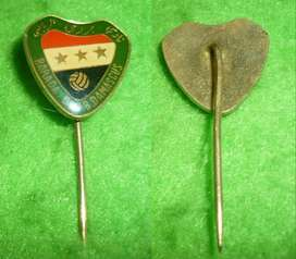 RARO PIN DISTINTIVO BARADA CLUB DAMASCUS DE SIRIA 1980s ALFILER