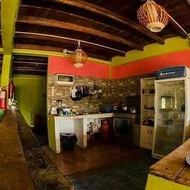 Hermoso Hostal de Venta en Montañita de Construcción Típica.