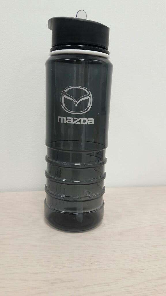 Mazda Mug Metalico Y Botilito 0