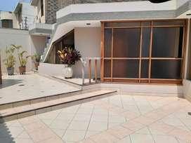 Vendo Casa 256.80 M2 3 Dormitorios Estudio La Molina (Ref: 680)