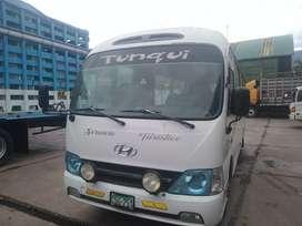 Se vende una custer Hyundai en buen estado del año 2012