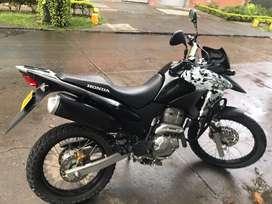 Vendo moto honda 300 Xre NEGOCIABLES