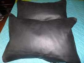 "2 Almohadones ""guarda almohada"" para sofà o cama NUEVOS"