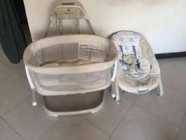 cuna y silla móvil y con sonido para bebes recién nacidos. Marca:Ingenuity