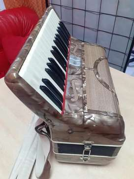 ACORDEÓN  piano 80 b Soy de cdad de SANTAFE CENTRO