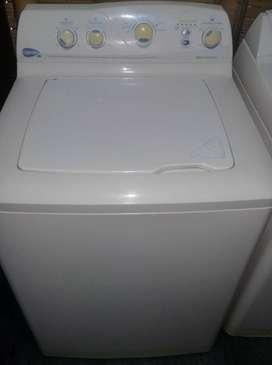 se vende lavadora centrales 4 perillas, 7 programas de lavado 33 libras