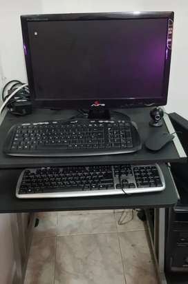 Vendo computador con mesa