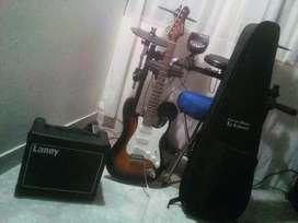 Vendo guitarra electrica (TEXAS,) con planta incluida.