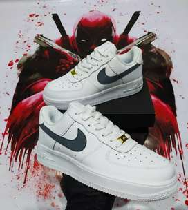 Tenis Nike Air forcé one white Wolf caballero