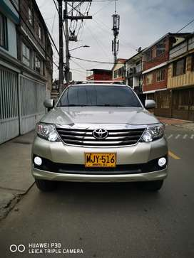 Toyota fortuner 2012 2.7 gasolina 4x2 automática