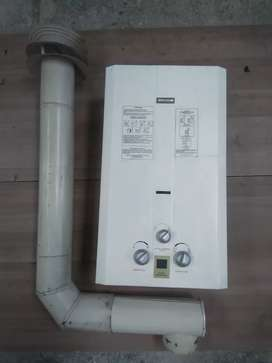Calentador a gas Challenger con ducto certificado