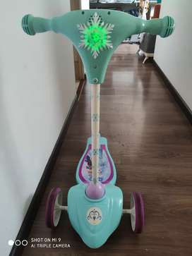 Patineta Scooter de frozen