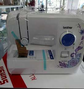 Maquina de coser  familiar Brother 10 puntadaa
