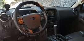 Camioneta Ford Explorer automática