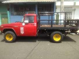 Vendo poderosa camioneta Toyota del 70 matricula al dia para trabajos pesados
