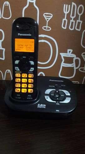 Panasonic con contestador automatico, altavoz e identificador de llamadas
