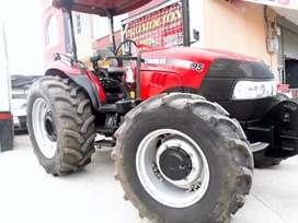 Venta de un tractor JTX95 el precio es de 32000 con arado