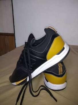 Zapatos New Balance.
