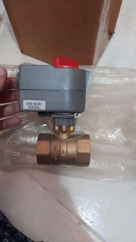 Valvula motorizada Honywell de dos vías roscada 24 v