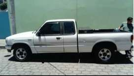 Pick up Mazda B2300 extracab, gasolina, mecánico. modelo 98