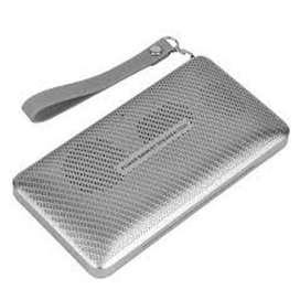 Parlante Bluetooth, Tarjeta TF, Reproductor de MP3 mediante MicroSD, Sintonizador FM, Linterna.