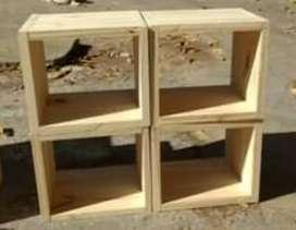 Cubos de maderas de pino