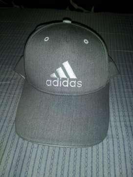 Gorra Adidas Graphic Gris