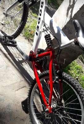 Bici mountain bike con suspencion