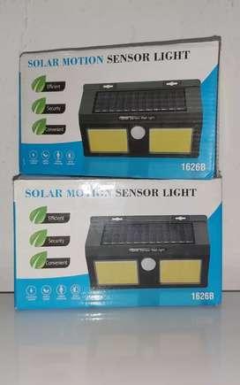 Panel solar con sensor
