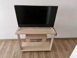 Tv Hyundai Hyled3215int2 Led 32 Pulgadas Smart Tv + Mueble
