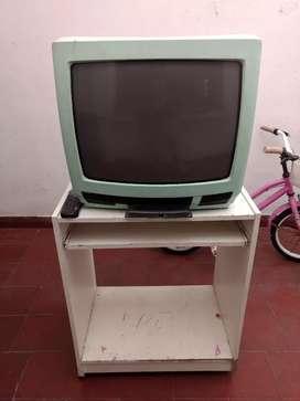 Televisor 21' + mesa