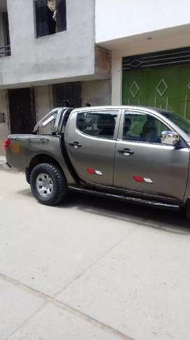 Vendo camioneta Mitsubishi L200 4x4 de uso personal