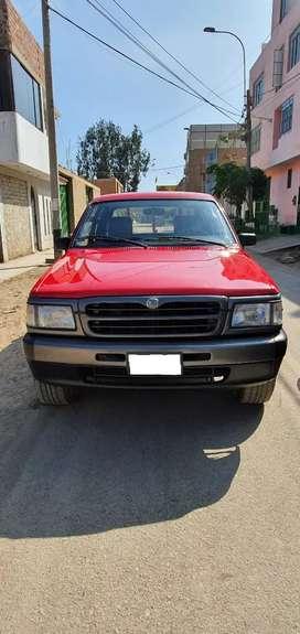 Vendo camioneta MAZDA TORNADO 4X2 MOTOR B1800 muy conservado km original demostrable e cartilla