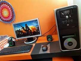 PC DE ESCRITORIO COMPLETA 4GB DE RAM WINDOS 10