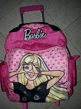 Vendo mochila Barbie usado en buen estado