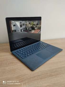 Vendo excelente Microsoft Surface Laptop, Intel Core i5, 8gb ram y 256gb ssd