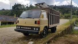 De oportunidad camión Mitsubishi guardado a gasolina