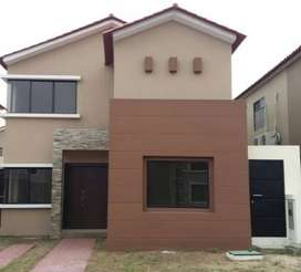 Se vende casa en la via a samborondon